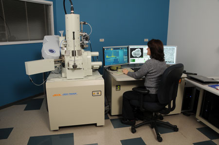 JSM 7600 scanning electron microscope