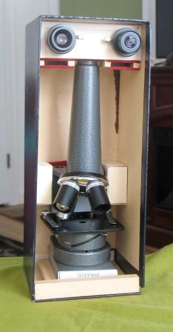 Leitz PRADO projection microscope